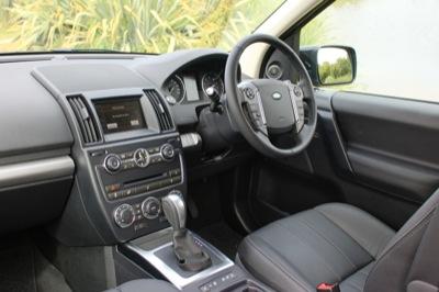 LR FReelander interior