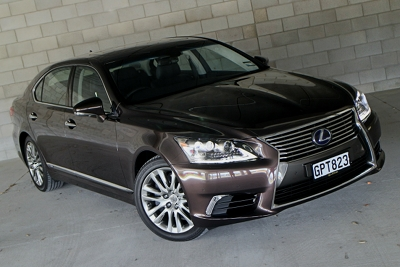ROAD TEST: Lexus LS 600hL