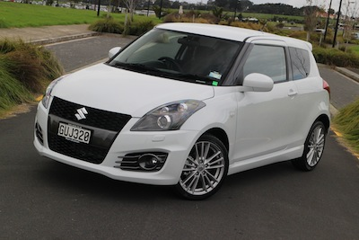 road test suzuki swift sport 3 door oversteer. Black Bedroom Furniture Sets. Home Design Ideas