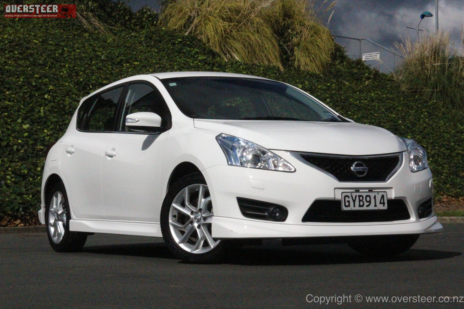 Nissan Primera 2 0 1996 Specs And Images also 2575088 Custom Hilux Tray For Sale in addition 2015 Nissan Pulsar Sss Sedan Review Road Test 35128 additionally 2014 Nissan Juke Review 12732 moreover 2015 Nissan Pulsar Sss Sedan Front Press Image. on nissan pulsar sss