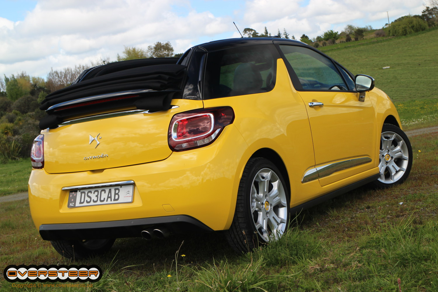 road test citroen ds3 sport cabrio oversteer. Black Bedroom Furniture Sets. Home Design Ideas