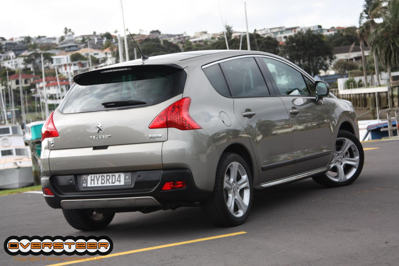 Peugeot 3008 HY4 (05)
