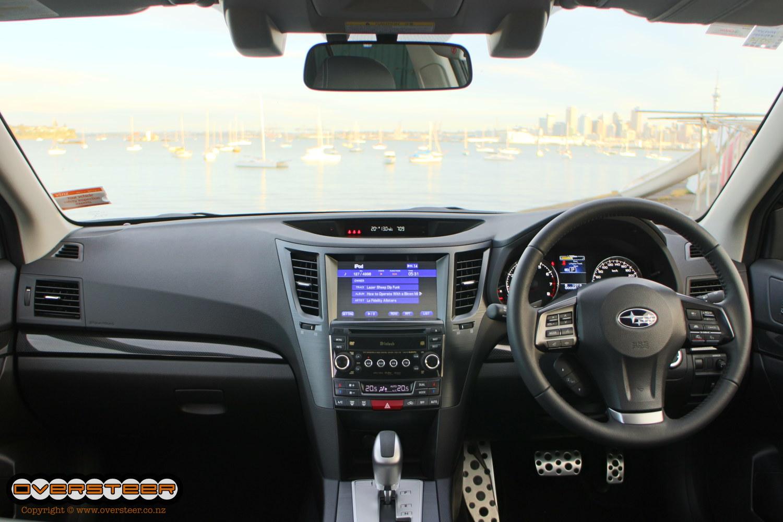 Subaru Legacy GT (06)