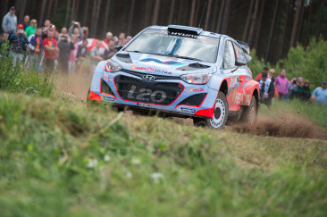 PRESS RELEASE: Paddon shows impressive pace in WRC Poland