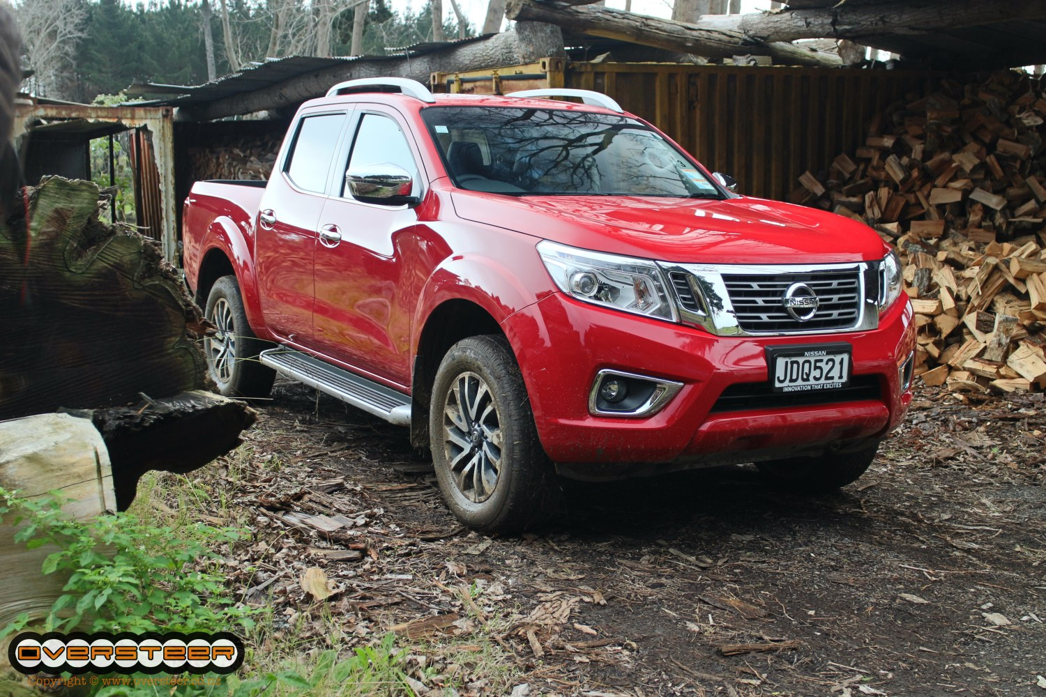 first drive nissan navara np300 oversteer. Black Bedroom Furniture Sets. Home Design Ideas