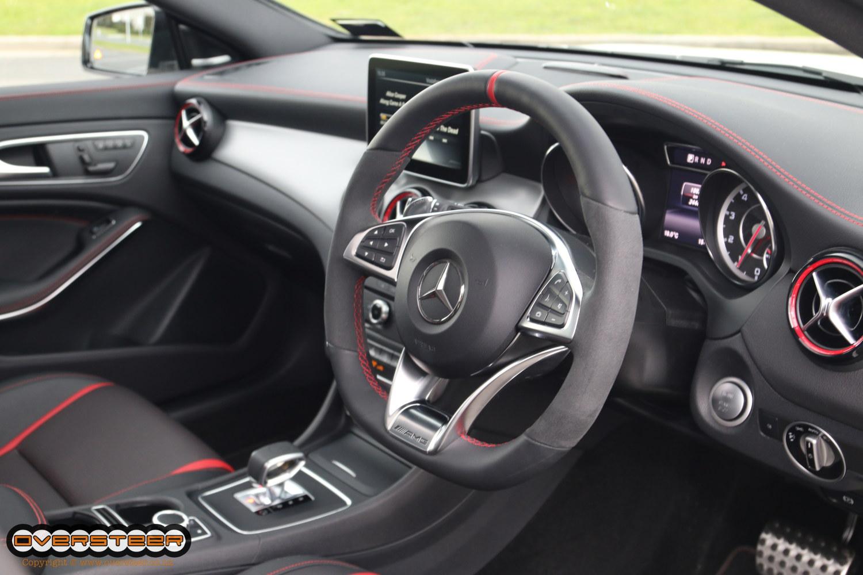 Mercedes-Benz CLA 45 AMG (04)