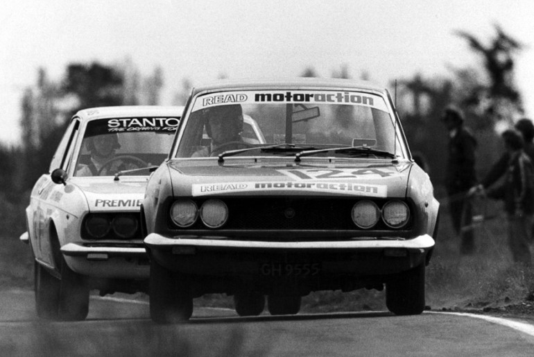 Levin 1974. Castrol GTX Series. Glenn McIntyre leads Kevin McNamare in the battle of the Fiat 124 coupes. IMAGE/terry marshall