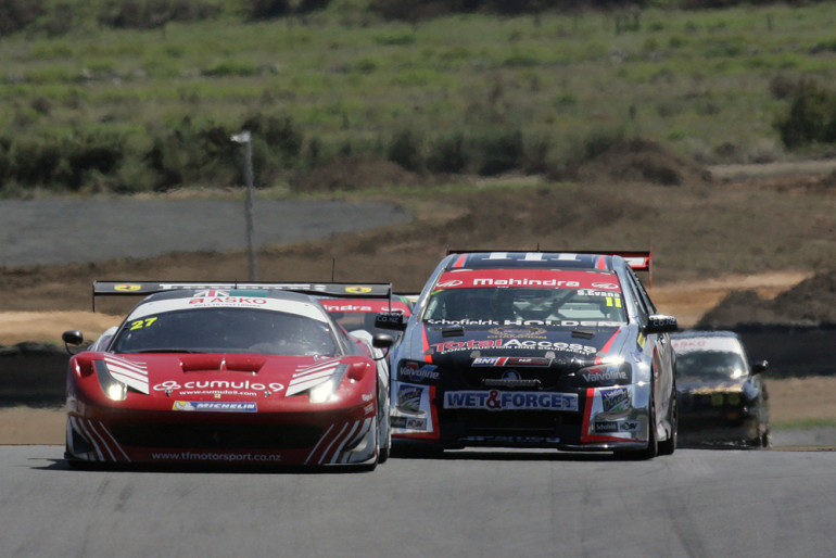 PHOTO GALLERY: Mahindra Endurance Championship @ Hampton Downs