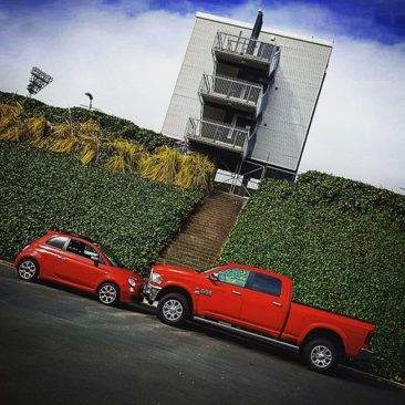 One of these things is note like the other… #Ram2500 and #Fiat500