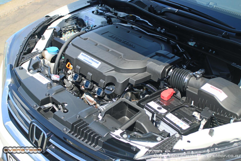 QUICK DRIVE: Honda Accord V6 | OVERSTEER